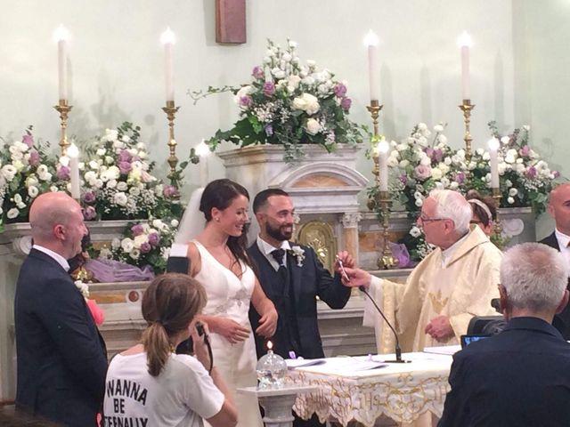 Il matrimonio di Roberto  e Laura  a Sant'Elpidio a Mare, Fermo 7
