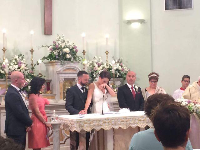 Il matrimonio di Roberto  e Laura  a Sant'Elpidio a Mare, Fermo 8