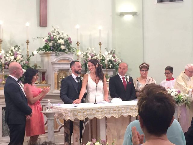 Il matrimonio di Roberto  e Laura  a Sant'Elpidio a Mare, Fermo 9