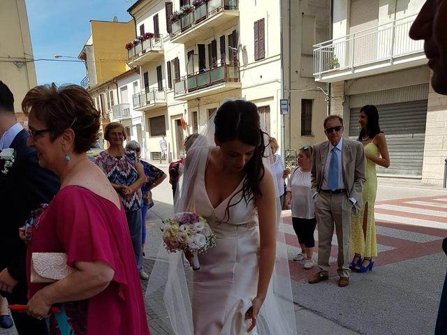 Il matrimonio di Roberto  e Laura  a Sant'Elpidio a Mare, Fermo 12