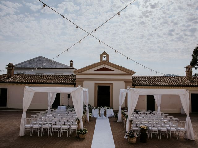 Il matrimonio di Francesco e Emanuela a Cirò Marina, Crotone 18