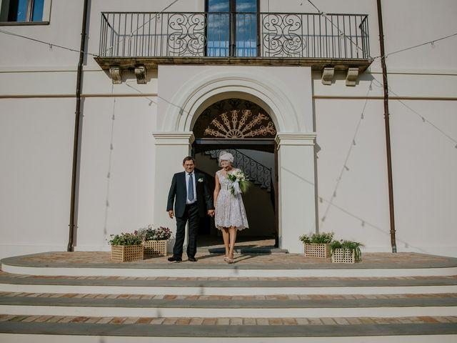Il matrimonio di Francesco e Emanuela a Cirò Marina, Crotone 25
