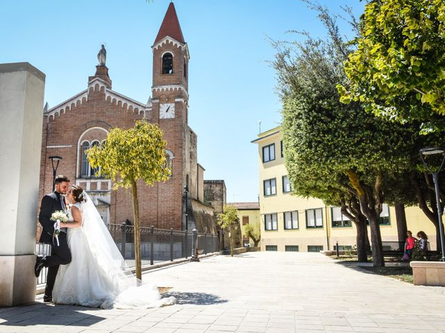 Il matrimonio di Vincenzo e Michela a Troia, Foggia 11