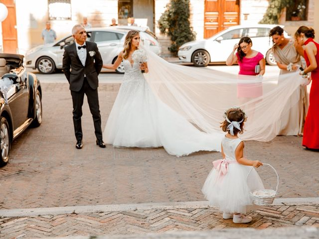 Il matrimonio di Mario e Lucrezia a Mosciano Sant'Angelo, Teramo 34
