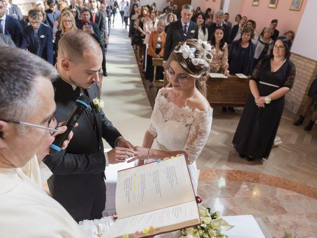 Il matrimonio di Donatella e Roberto a Tortoreto, Teramo 5