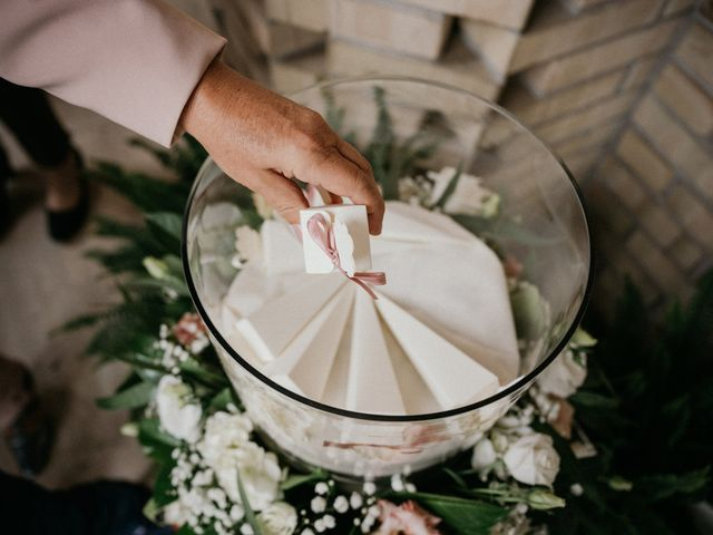 Il matrimonio di Nazzareno e Claudia a Martinsicuro, Teramo 33