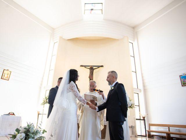 Il matrimonio di Marialaura e Piernicola a Carapelle, Foggia 33