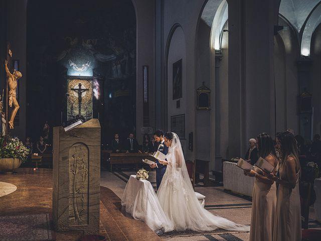 Il matrimonio di Nicolò e Linda a Busto Garolfo, Milano 25