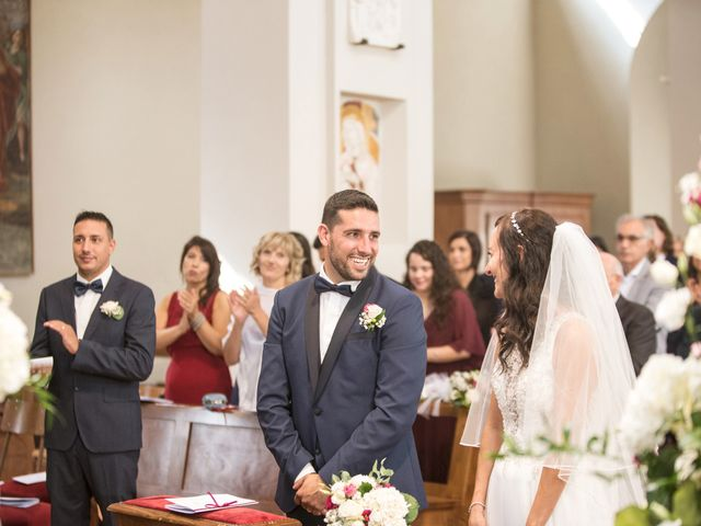 Il matrimonio di Luca e Manuela a Somma Lombardo, Varese 24