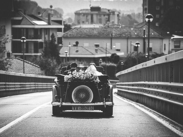 Il matrimonio di Luca e Manuela a Somma Lombardo, Varese 28