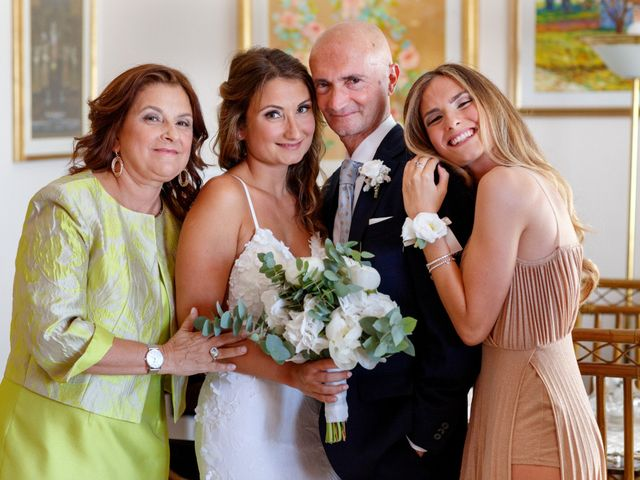 Il matrimonio di Roberto e Debora a Bari, Bari 20