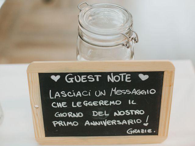 Il matrimonio di Michele e Ilaria a Pombia, Novara 16