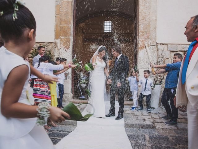 Il matrimonio di Gianluca e Mariangela a Pietraperzia, Enna 32