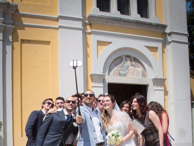 Il matrimonio di Lorenzo e Roberta a Santo Stefano Ticino, Milano 17