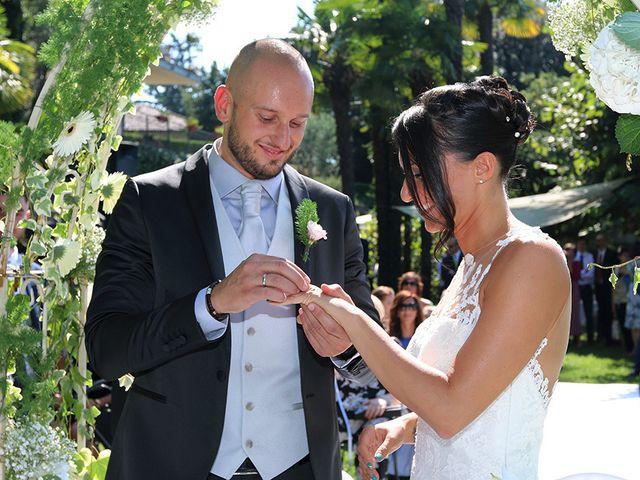 Il matrimonio di Jacopo e Nicky a Angera, Varese 12