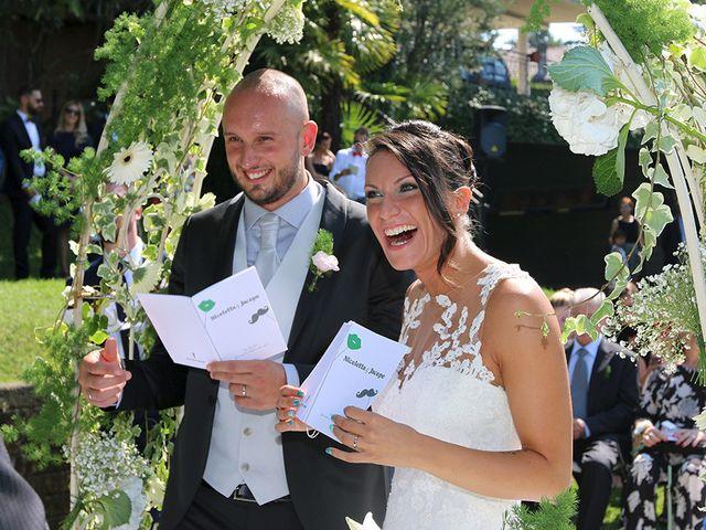 Il matrimonio di Jacopo e Nicky a Angera, Varese 14