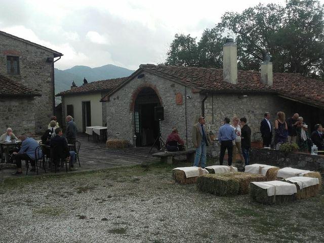Il matrimonio di MAURIZIO e BARBARA a Vaiano, Prato 6