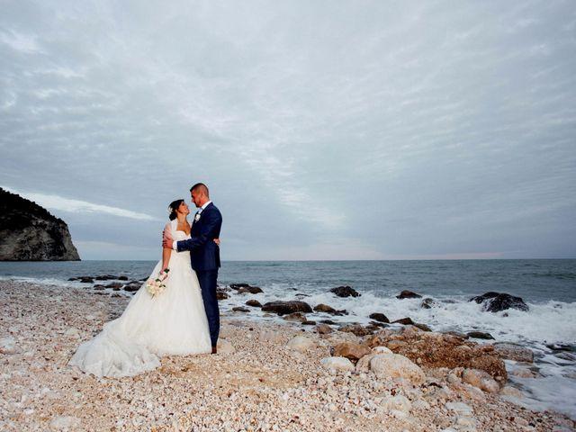 Il matrimonio di Laurent e Cristina a Rignano Garganico, Foggia 22