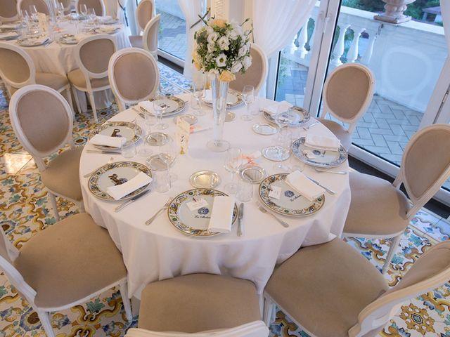 Il matrimonio di Diego e Rossella a Castellammare di Stabia, Napoli 21