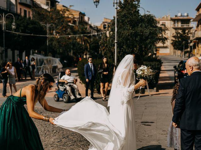 Il matrimonio di Manuele e Marianna a Barrafranca, Enna 19