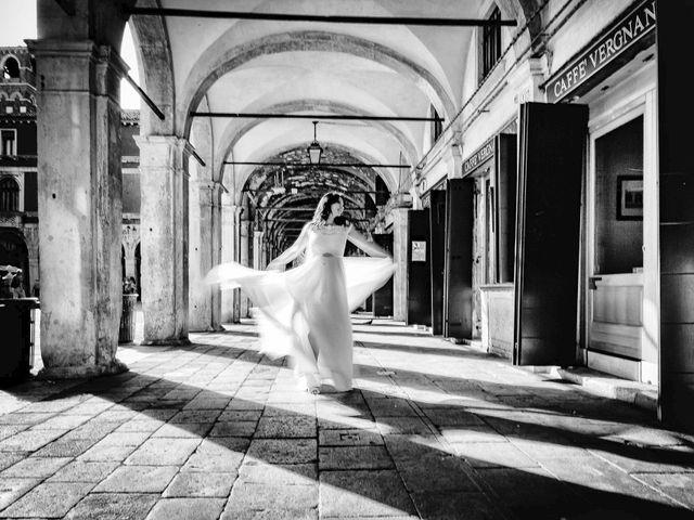 Il matrimonio di Verzan e Monica a Venezia, Venezia 50