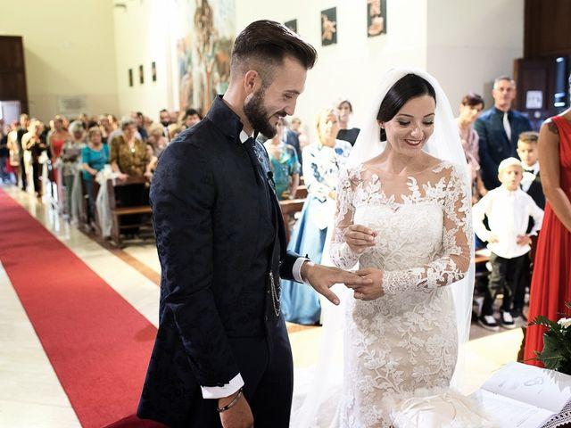 Il matrimonio di Mirko e Elisa a Massarosa, Lucca 27