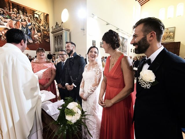 Il matrimonio di Mirko e Elisa a Massarosa, Lucca 32