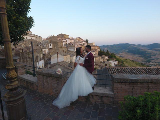 Il matrimonio di Antonio  e Pamela  a Crucoli, Crotone 7