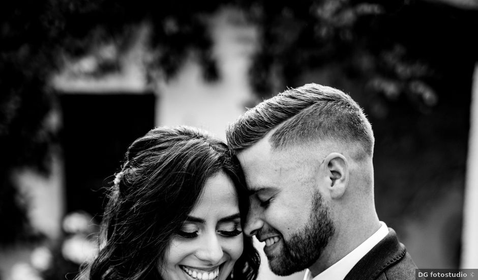 Il matrimonio di Owen e Sara a Clivio, Varese