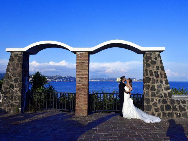 Il matrimonio di Salvatore e Maria a Bacoli, Napoli 12