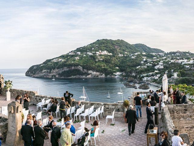 Il matrimonio di Domenico e Elisabetta a Ischia, Napoli 18