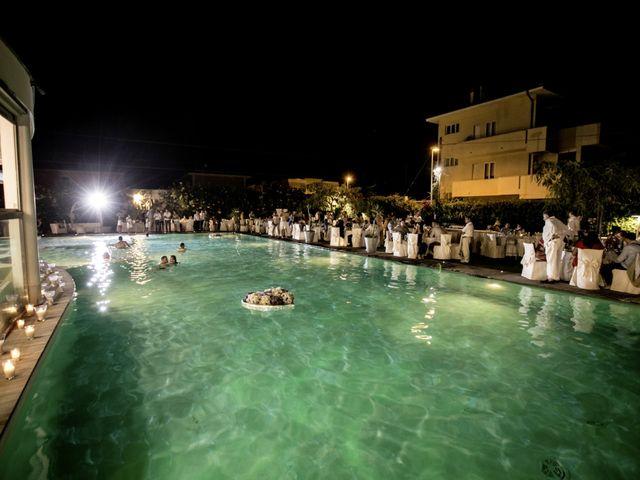 Il matrimonio di Luca e Elena a Senigallia, Ancona 17