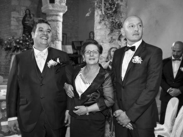 Il matrimonio di Vincenzo e Valentina a Sant'Omero, Teramo 24