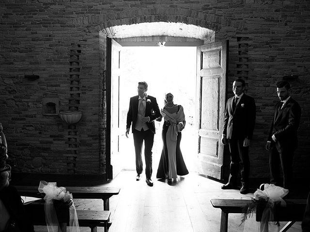 Il matrimonio di Daniele e Isabella a Mosciano Sant'Angelo, Teramo 9