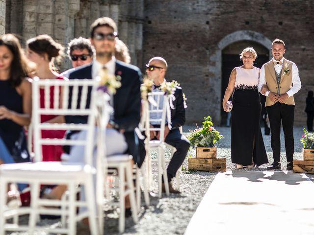 Il matrimonio di Luca e Gloria a Chiusdino, Siena 16