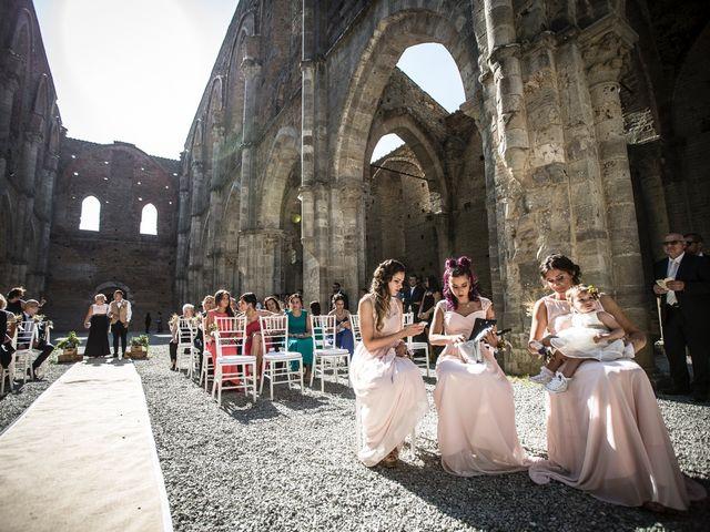 Il matrimonio di Luca e Gloria a Chiusdino, Siena 17