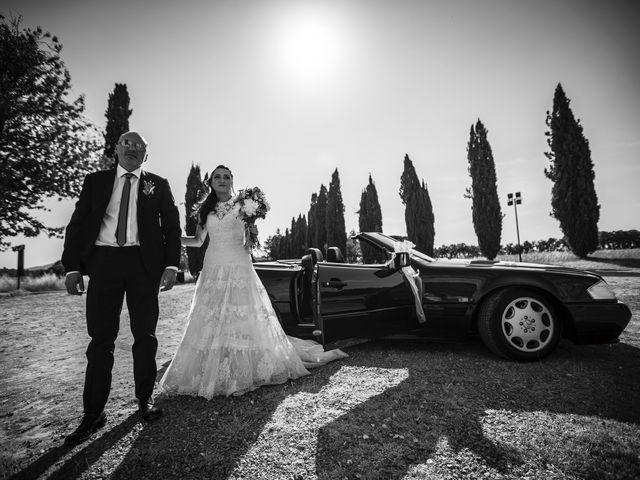 Il matrimonio di Luca e Gloria a Chiusdino, Siena 21
