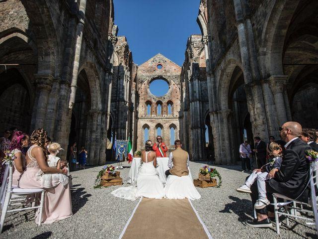 Il matrimonio di Luca e Gloria a Chiusdino, Siena 25