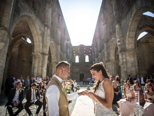 Il matrimonio di Luca e Gloria a Chiusdino, Siena 31