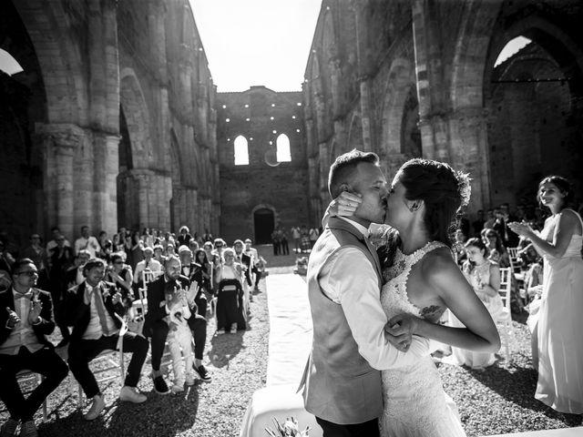 Il matrimonio di Luca e Gloria a Chiusdino, Siena 32