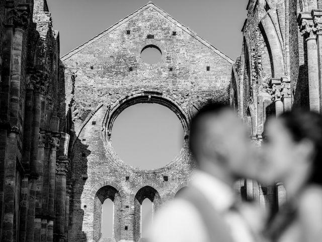 Il matrimonio di Luca e Gloria a Chiusdino, Siena 38