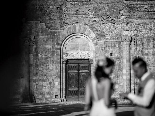 Il matrimonio di Luca e Gloria a Chiusdino, Siena 41