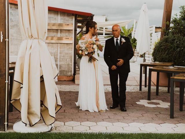 Il matrimonio di Leon e Carolina a Maccarese, Roma 36
