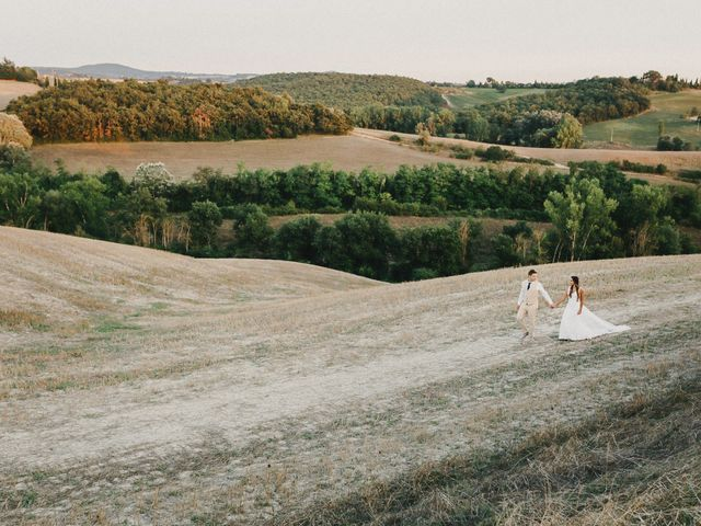 Il matrimonio di Emanuele e Mariane a Trequanda, Siena 1