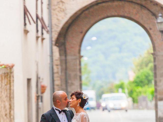 Il matrimonio di Mirko e Sara a Bagnone, Massa Carrara 10