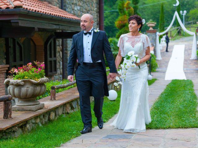 Il matrimonio di Mirko e Sara a Bagnone, Massa Carrara 11