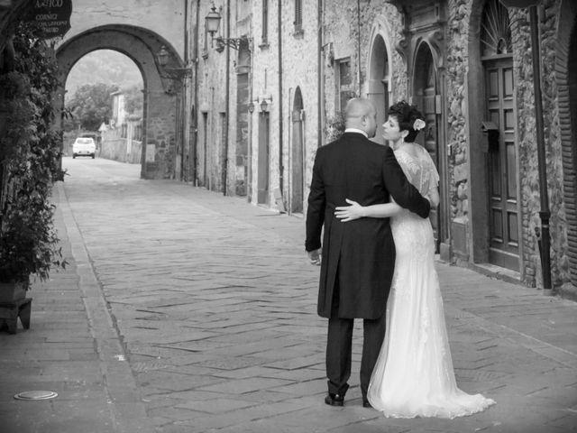 Il matrimonio di Mirko e Sara a Bagnone, Massa Carrara 28