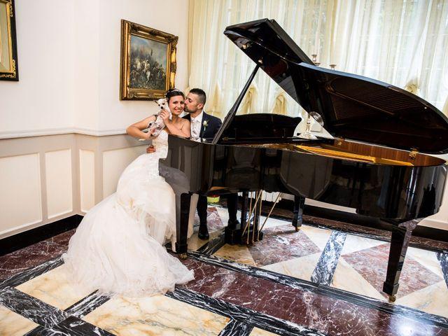 Il matrimonio di Claudio e Cristina a Lesmo, Monza e Brianza 35