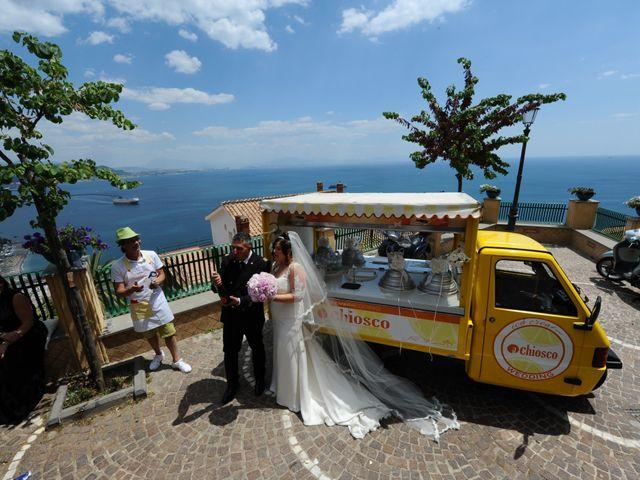 Il matrimonio di Gino e Arianna a Vietri sul Mare, Salerno 17