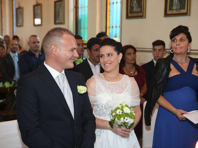Il matrimonio di Davide e Elona a Angera, Varese 10